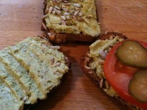 Pasta z zielonego groszku i pestek słonecznika