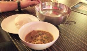 Gulasz wołowy z warzywami i pulpą z platana