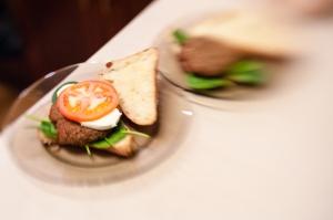 Buła + szpinak + vegeburger + mozarella + pomidor