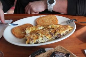 Omlet z bekonem i placki ziemniaczane