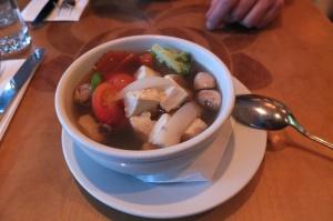 Zupa z warzywami i tofu