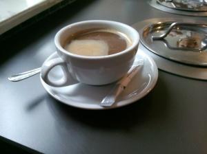 Kawa po wietnamsku ze skondensowanym mlekiem na dnie