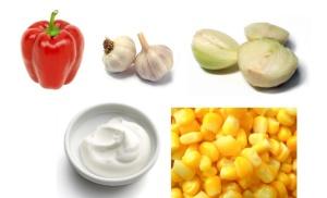 Papryka + czosnek + cebula + jogurt grecki + kukurydza = slodkawa pasta z pieczonej papryki